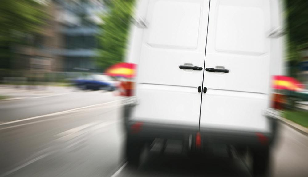 courier-insurance-fast-moving-1000x576